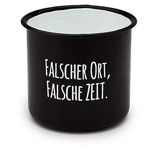 """Pechkeks Blechtasse mit Henkel """"Falscher Ort"""", 300 ml, schwarz"""
