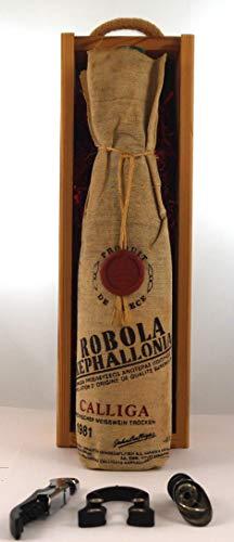 Griechischer Weisswein Trocken 1981 Calliga Robola Kephallonia in einer Geschenkbox, da zu 3 Weinaccessoires, 1 x 750ml