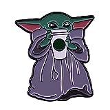 tggh Disney Anime Baby Yoda Drink - Broche de metal con diseño de dibujos animados, color plateado