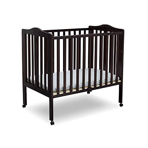 7 Best Mini Cribs on the Market (2020 Reviews)