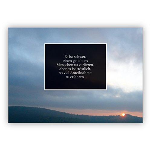 Stijlvolle rouwe bedankkaart met avondrot: het is moeilijk om een geliefde persoon te verliezen, maar het is troost om zo veel deelname te krijgen. | Bedankt met envelop voor de deelname.