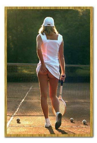 Klassisch Tennis Mädchen Poster Magnetische Pinnwand Eiche Gerahmt 96.5 X 66 CMS 38 X 26)