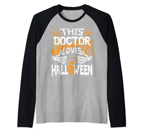 Este mdico ama Halloween Huesos Cirujano Divertido Mdico Camiseta Manga Raglan