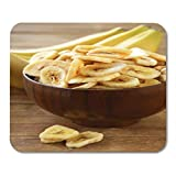 Semtomn Mouse Pad Gelbe kandierte Bananenchips Trockenfrüchte auf Holztisch Mousepad für...