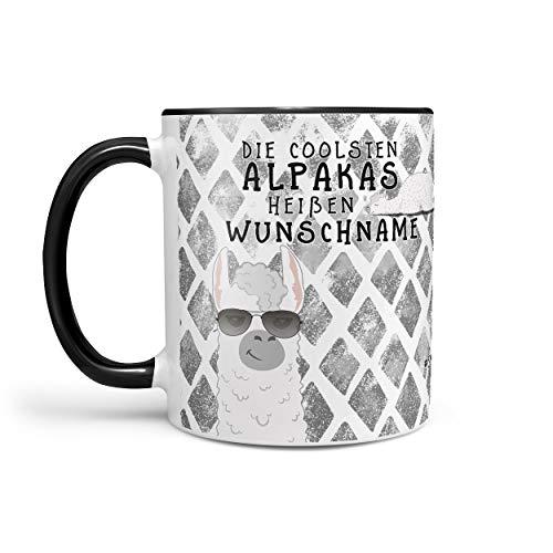 Sunnywall® Kaffeebecher Monats-Tasse Geburtstags-Tasse Geschenk-Tasse schwarz inkl. gratis Geschenkkarte Die coolsten Alpakas heißen Wunschname (Schwarz)
