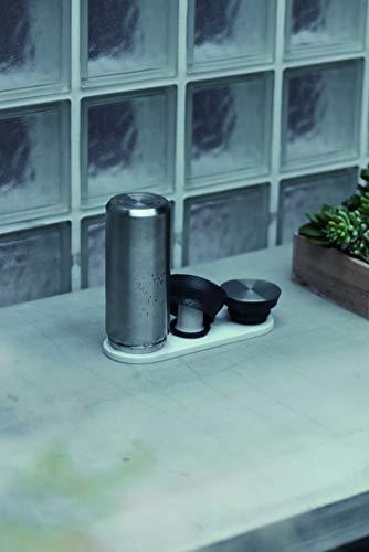 珪藻土の加工品を得意とする「ソイル」が手掛けたドライングボードです。湿気を吸収する珪藻土の特徴を生かし、ボトルの中を効率的に乾かしてくれます。省スペースでパッキンや蓋も一緒に乾かせて、キッチンで迷子になりません。