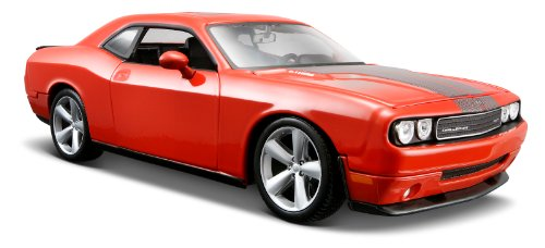 Maisto 1:24 Scale Orange 2008 Dodge Challenger SRT8 Diecast Vehicle
