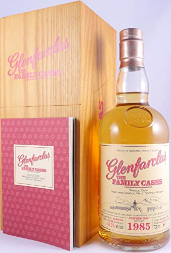 Glenfarclas 1985 33 Years The Family Casks Refill Sherry Hogshead Cask 2601 Highland Single Malt Scotch Whisky Cask Strength 43,6% Vol. - eine von nur 292 Flaschen!