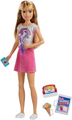 Barbie FXG91 - Skipper Babysitters Inc. Puppe mit blonden Haaren und Babysitting Zubehör, Puppen Spielzeug und Puppenzubehör ab 3 Jahren