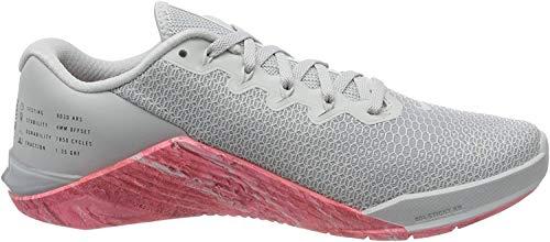 Nike Metcon 5, Zapatillas de Deporte para Mujer, Multicolor (Pure Platinum/Oil Grey/Imperial Blue 4), 40.5 EU