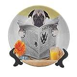 Plato decorativo de cerámica de 15,24 cm, diseño de carlino con texto en inglés 'Pug Reading Daily Dog Breakfast in Bed Sunday Family Fun Imagen códica decorativa Plato de cerámica para Navidad