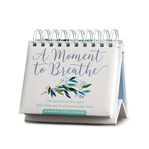 DaySpring - Um momento para respirar – Calendário perpétuo (90857), branco