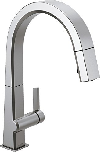 Delta Faucet Pivotal Single-Handle Kitchen Sink Faucet with Pull Down Sprayer and Magnetic Docking...
