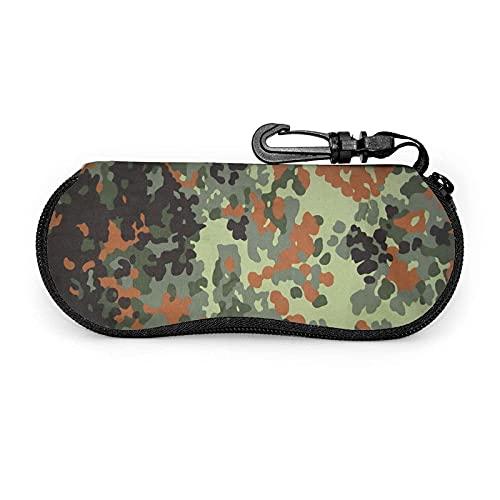 AOOEDM Bundeswehr Flecktarn Camo Estuche para anteojos con mosquetón, Estuche blando para gafas de sol de neopreno portátil ultraligero con cremallera