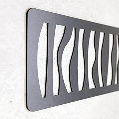 Imitación Forja, pero no se oxida. Gran ligereza, resistencia y durabilidad. Fácil instalación. Ideal para dar un nuevo aire a tu dormitorio. INCLUYE SISTEMA DE COLGAR.