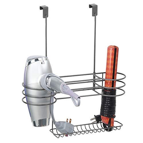 mDesign Soporte para secador de cabello con tres divisiones – Organizador para baño grande de metal para secador, plancha para pelo y cepillos – Colgador para puerta resistente al calor – gris