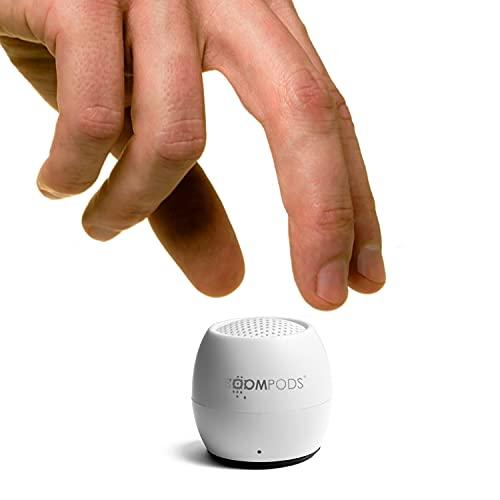 Boompods Zero Talk Altavoz Bluetooth – Minoraltavoces impermeables incorporados con Alexa más pequeño del mundo y micrófono inalámbrico con sonido grande (blanco)