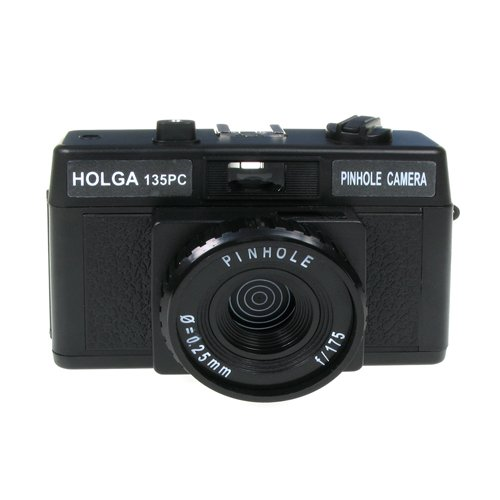 Lomographic Cameras 4578 Holga 135 Pinhole Camera Package (black)
