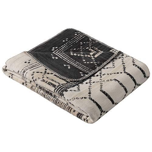 Ibena Madiun Kuscheldecke 150x200 cm - Decke mit Mustermix wollweiß grau, Pflegeleichte und kuschelweiche Baumwollmischung