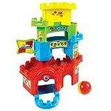 Un simpatico castello che è anche un gioco di percorso per far divertire i più piccoli Il bambino potrà giocare a far rotolare la pallina lungo il percorso all'interno del castello e lungo le mura Inserendo la pallina in cima alla torre questa cadrà ...