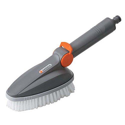 Gardena Handschrubber: Wasserführende Reinigungsbürste für das Cleansystem, ideal zur gründlichen Reinigung von Gartenmöbeln und -geräten (5572-20)