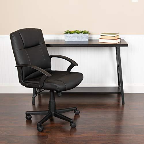 Flash Furniture Bürostuhl mit mittelhoher Rückenlehne – Bequemer Schreibtischstuhl mit Armlehnen, LeatherSoft-Material und Rollen – Perfekt für Home Office oder Büro – Schwarz