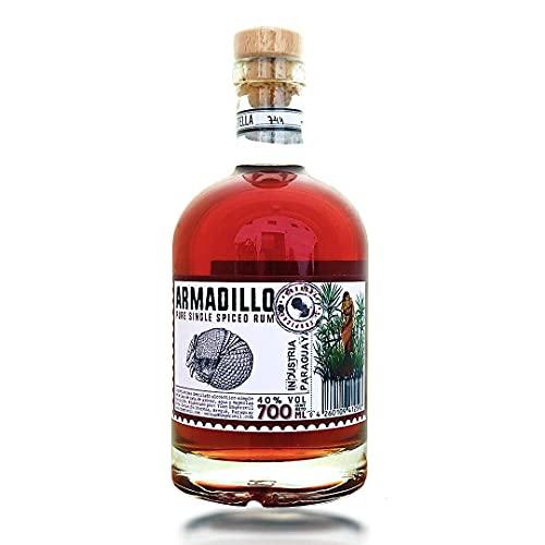 Armadillo Pure Single Spiced Rum, 40% d'alcool, fabriqué à la main au Paraguay, élevé sur un chêne naturel, Le rhum artisanal, sans additifs (1 x 0.7 l)