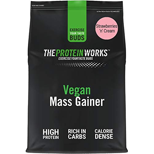 THE PROTEIN WORKS Vegan Mass Gainer | 100% a Base de Plantas | Alto en Calorías Para el Aumento de Masa | Fresas con Nata | 2kg