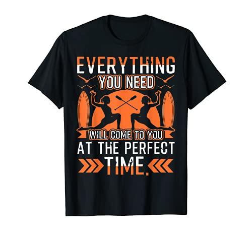 En el momento perfecto SUP Yoga Cotizaciones Camiseta