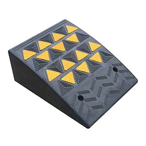 Duurzame rubberen weg langs de helling driehoek stap deur dorpel pad hellingspad auto op de stap pad gemakkelijk te dragen