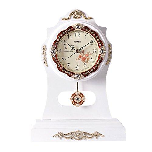 JCOCO Horloge de bureau européenne, salon, décoration de chambre à coucher, bois massif, créatif, silencieux, vieille horloge de table, horloges (Couleur : B)