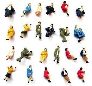 100 sitzende Figuren zu TT