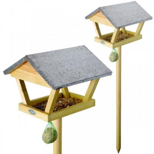Esschert Design Vogelhaus, Vogelfutterhaus mit Dach auf Holzstab, mit Haken für Futterball, ca. 28 cm x 28 cm x 120 cm