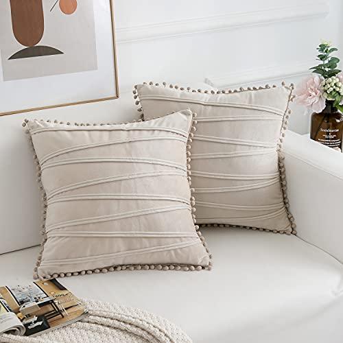 FabThing 2 Piezas Funda de Cojín Decorativa con Pompones Rayas Fundas de Almohada Terciopelo para Sofá Silla Cama Sala de Estar Dormitorio Coche Hogar 50x50cm Crema Blanca