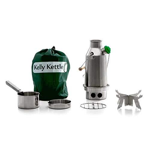 Kelly Kettle - Kit basique 'trekker' - Bouilloire acier inox 0.57L + ensemble de cuisson en acier + support pot en acier - Réchaud à bois léger ultra rapide - Sans batteries, sans gaz, sans coûts de carburant - Pour trek, randonnée, kit sac à dos - Poids 1.04kg