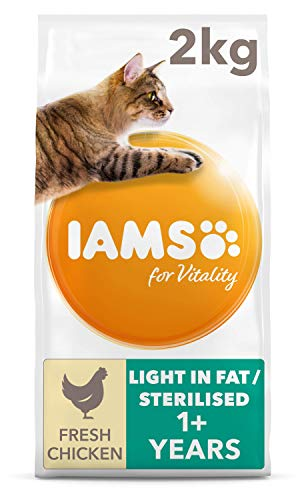 IAMS for Vitality Light in Fat Dry Cat Food with Fresh Chicken for Adult...