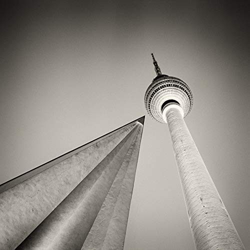 Berligram - Fine Art Fotografie aus Berlin, Fernsehturm Analogfotografie, Foto auf Holz, 10x10cm