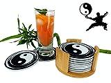 Liavan - Untersetzer Filz rund für Gläser - 10er Set im Bambushalter - Glasuntersetzer im Yin & Yang Design - Tischuntersetzer in schwarz & weiß für Getränke, Cocktails, Tassen, Glas - Filzuntersetzer