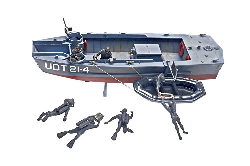Revell Monogram 1/35 U.D.T. Boat with Frogmen # 85-0313