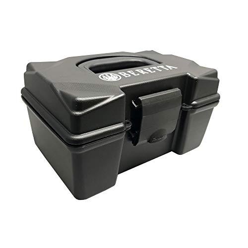 Box Beretta PORTACARTUCCE E02870 Cal. 12-100 pz Colore Nero Realizzata in plietilene. Predisposta per Chiusura con Lucchetto Dimensioni: 235 x 160 x 140 mm