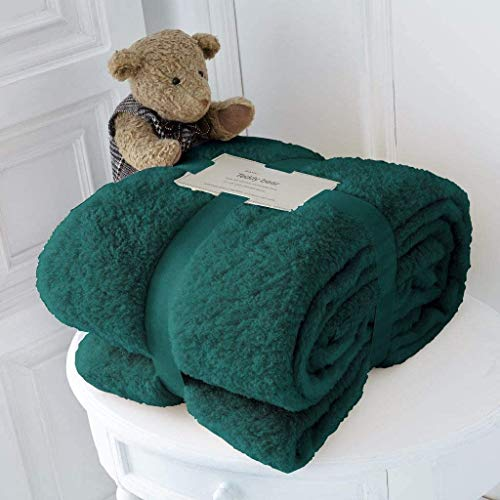 RayyanLinen Teddy-Fleece-Überwurf, Decke, warm, weich, luxuriös, kuschelig, Sofa-Tagesdecke, Reisedecke, Überwurf (Smaragdgrün), Doppelbett – 150 x 200 cm