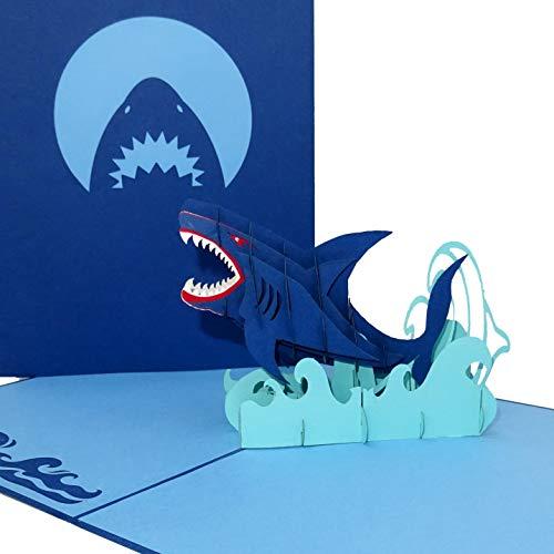 """3D Geburtstagskarte """"Hai – Shark Attack"""" - große Pop Up Karte mit Umschlag als Grußkarte, Einladung, Haifisch Deko, Geschenkidee & lustige Einladungskarte zum Angeln & für Angler"""