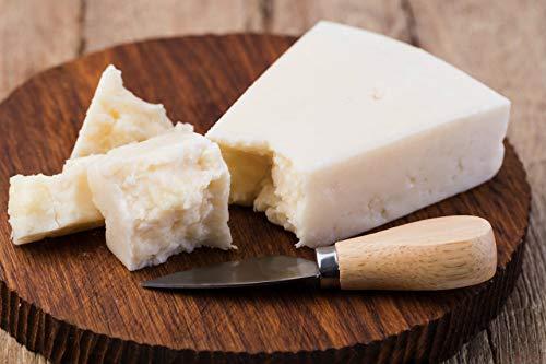 stagionatura 9 mesi con meno grassi di un formaggio caprino fresco, solo 19% ricco in proteine (34 grammi su 100 grammi) facilmente digeribile fatto solo con latte di capra dell'Alto Adige