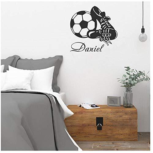 Vinilo adhesivo de pared MINGKK, extraíble, decoración del hogar, nombre personalizado, diseño de zapatos de fútbol, 57 x 59 cm