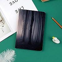 新しい ipad pro 11 2018 ケース スリムフィット シンプル 高級品質 防止 二つ折 開閉式 防衝撃デザイン 超軽量&超薄型 全面保護型 iPad Pro (11 インチ)霧ハロウィーン不気味なツイスト枝画像と森の中の暗い深さを通るパス