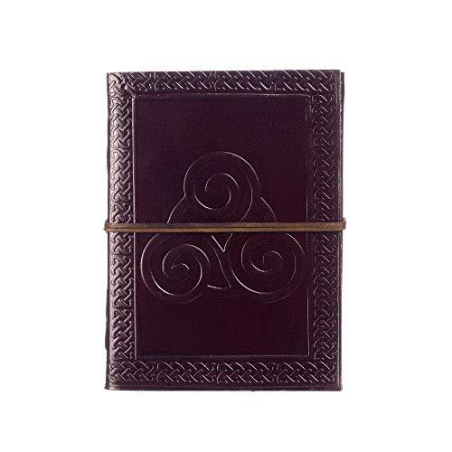Diario di cuoio decorato col simbolo del triscele | 13,5cm x 18,5cm | Taccuino rilegato in cuoio. Prodotto del commercio equo e solidale. Per uomo e donna