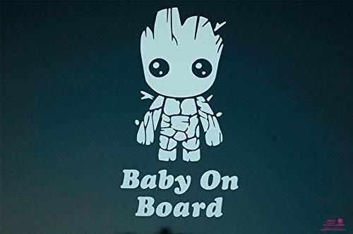 Artstickers Groot Baby on Board, Baby-an-Bord-Aufkleber. Weißer Geschenk-Aufkleber von Spilart, eingetragenes Warenzeichen.