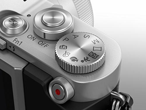 Panasonic Lumix DC-GX800KEGS Systemkamera (16 Megapixel, 4K30p Videoaufname,Hybrid Kontrast AF, mit Objektiv Lumix G VARIO 12-32mm/F3.5-5.6 ASPH) Silber