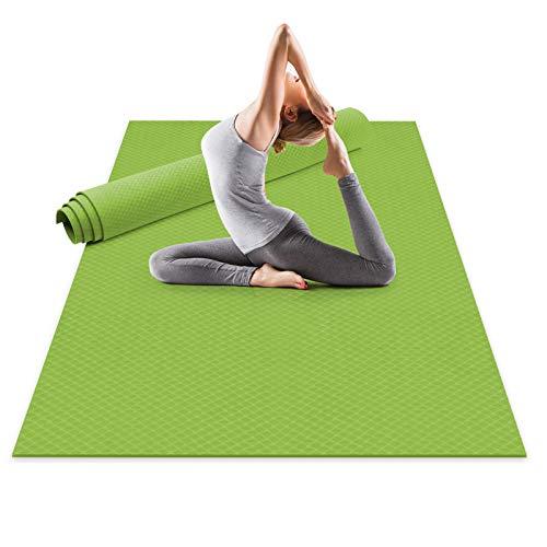 Odoland Esterilla de Yoga Grande 183 x 121 x 0.6 cm con Correa de Transporte, Gruesa Antideslizante y Ecológico, Colchoneta de Pilates, Yoga, Estiramientos, Gimnasia en Casa o en Gimnasio, Verde