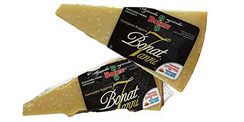 Die beste Parmigiano Reggiano von Italie , Landwirtschaftsbetrieb Bonat, 7 Jahre gereift , 2 Stücke von 500 gr, vakuumverpackt, in einem Frischhaltebeutel aus Baumwolle